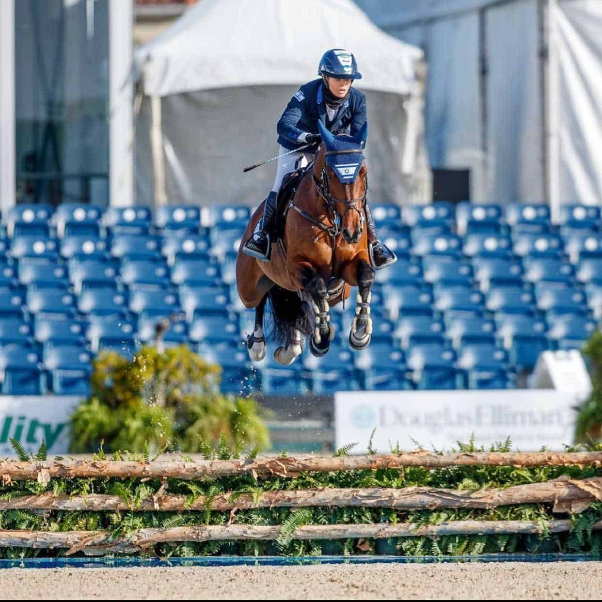 SynNutra Team Rider Ashlee Bond flying high with Donatello 141